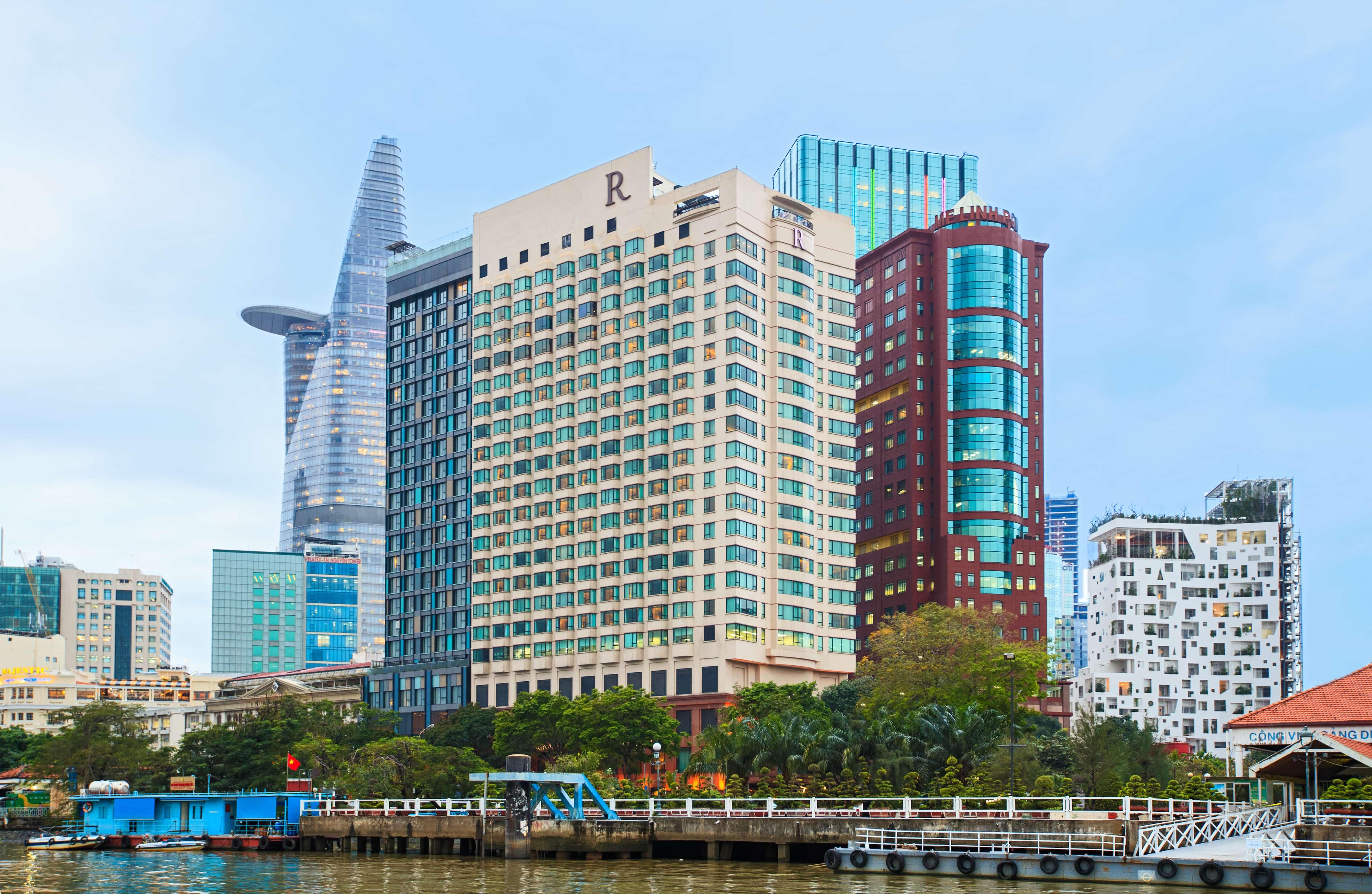 Việc làm đang tuyển dụng tại Renaissance Riverside Hotel Saigon